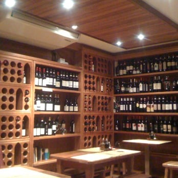 Beautiful winebar area!