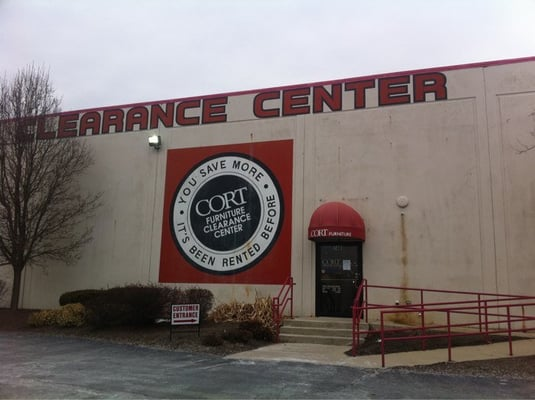 Cort furniture clearance center west chester oh yelp for Cort furniture clearance center