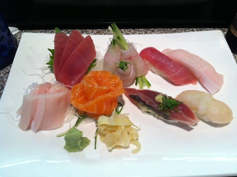 Sushi sashimi platter tuna fluke tuna yellowtail for Yellowtail fish sushi