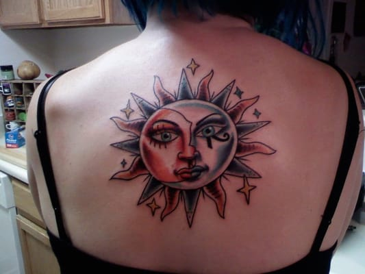 Pin half sun moon tattoos on pinterest for Half sun half moon tattoo