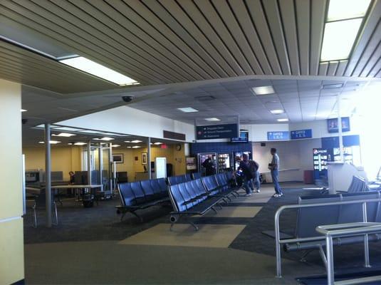 Erie International Airport Tom Ridge Field Erie Pa Yelp