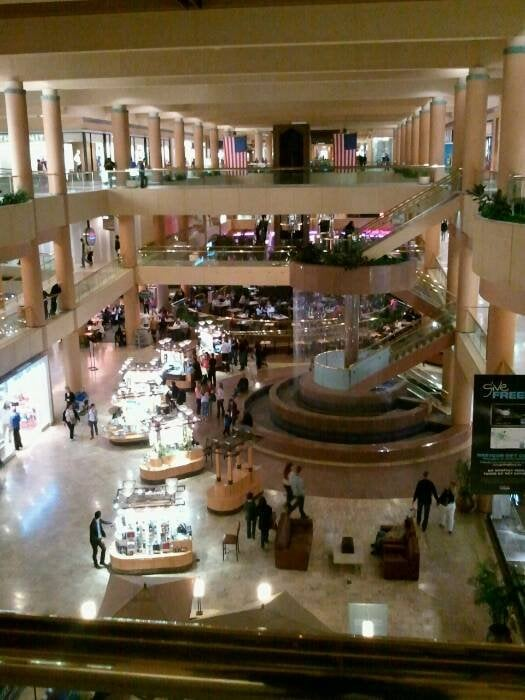 Furniture Stores In Scottsdale Fashion Square Home Brand To Open Store At Domain Home Decor