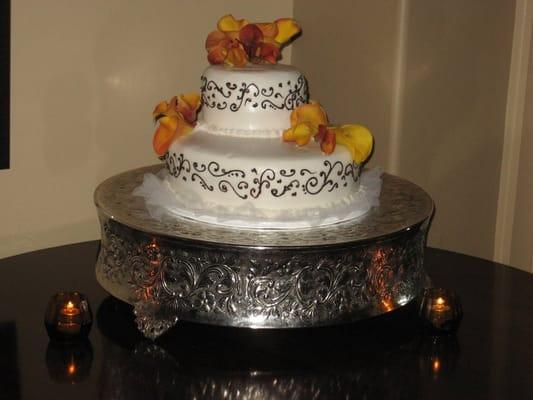Tatum Vickii Juana website purple and green wedding centerpieces on a