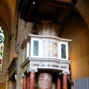 Holy Trinity, Sloane Square: Pulpit designed by Sedding in Sienna Renaissance style.