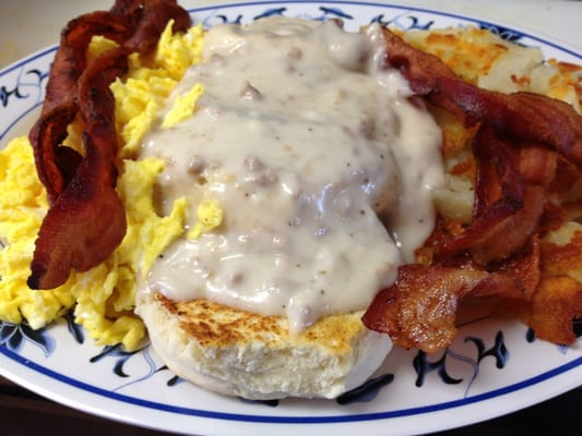 biscuits gravy scrambled egg hasbrowns 