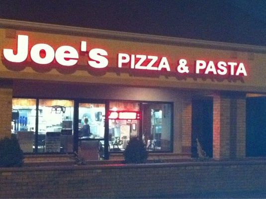 Joe's Pizza and Pasta http://www.yelp.com/biz_photos/joes-pizza-and-pasta-edwardsville?select=HxCdk7s-LaT7yxK5ai8qaA