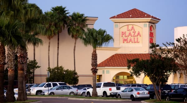 La Plaza Mall is a regional shopping mall located in McAllen, Texas, at the intersection of Interstate 2 (Expressway 83) and 10th Street. It has 1,, square feet (, m 2) of gross leasable area and features more than specialty stores, many of which are flagship stores, and coolnup03t.gqon: McAllen, Texas, USA.