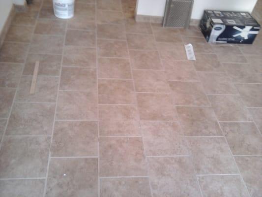 Tile flooring patterns brick pattern floor tile images for 12x24 floor tile patterns