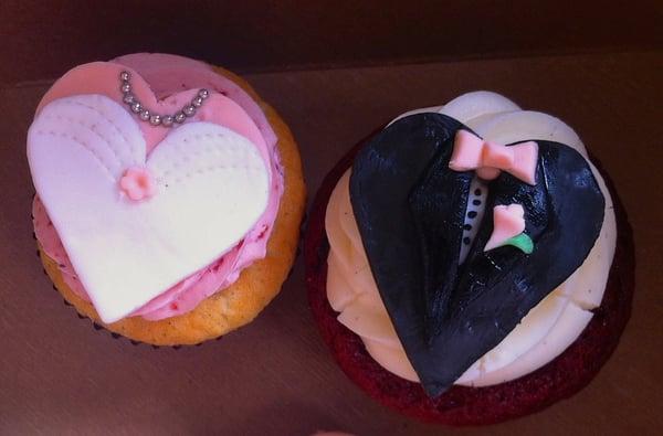 ... wedding cupcakes! bride is strawberry shortcake, groom is red velvet