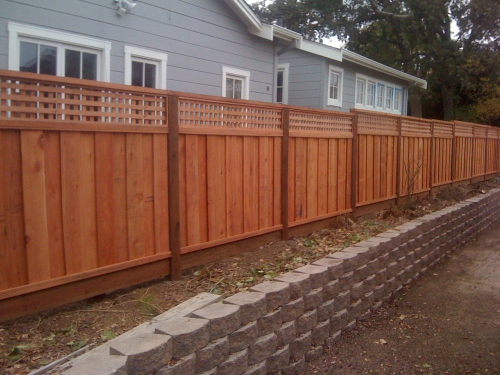Board On Board Good Neighbor Fence With Square Lattice