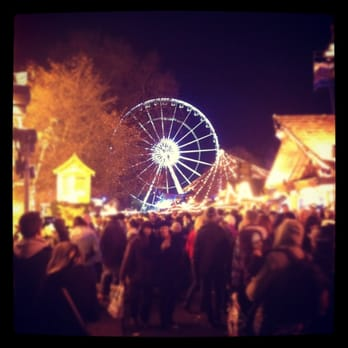 Crowds and the big wheel.