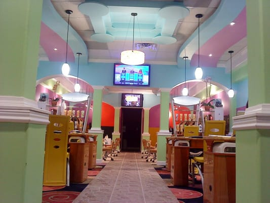 Amazing nail spa in Jacksonville, fl call 9046386743