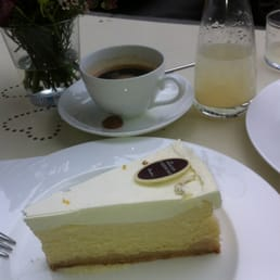 Cheesecake new york style and a home made limonade
