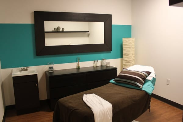 Photos of Facial Rooms http://www.yelp.com/biz_photos/zeal-med-spa-and-salon-dallas?select=NCH8XP8BbeWZT2_gfnp3Fw