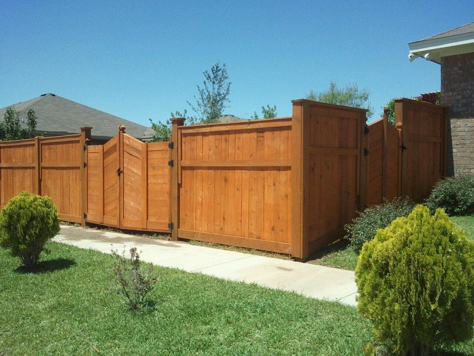 The Best Wood Or Composite Privacy Fence Picket Fence