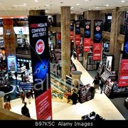 Virgin-Megastore-Paris