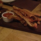 Pork Scratchings with Choptle dip