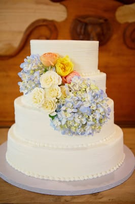 Country chic vintage florals for a wedding cake in dallas yelp