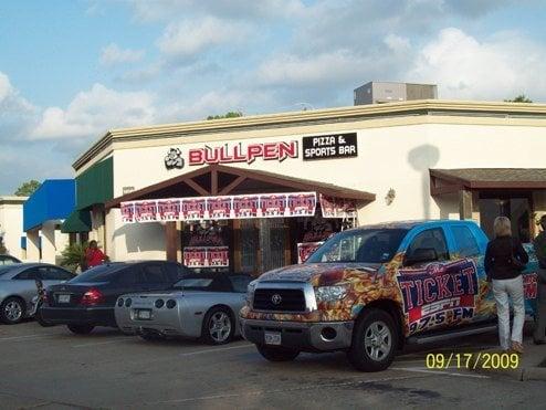 Bullpen Pizza And Sports Bar Sports Bars Sugar Land