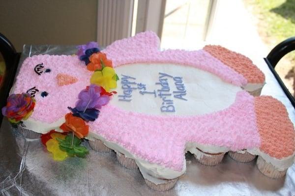Luau Penguin Pull-Apart Cupcake Cake