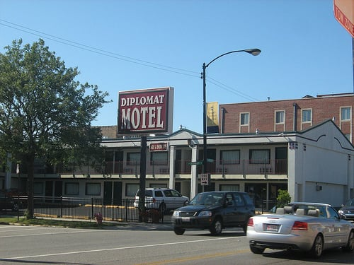 Diplomat motel hotels chicago il yelp for Motels in chicago