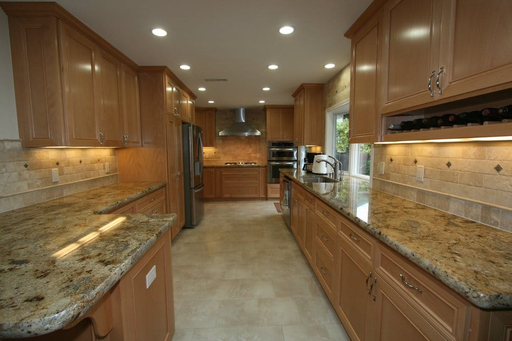 Maple Cabinets Travertine Backsplash Granite Counter