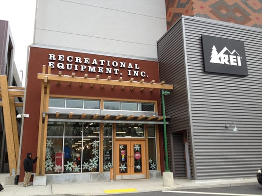 Rei sports wear yonkers ny yelp for Home goods in yonkers
