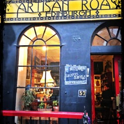 The store front of Artisan Roast.