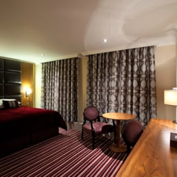 4 Star Hotels in Croydon - Hallmark Hotels