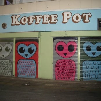Koffee Pot exterior at night