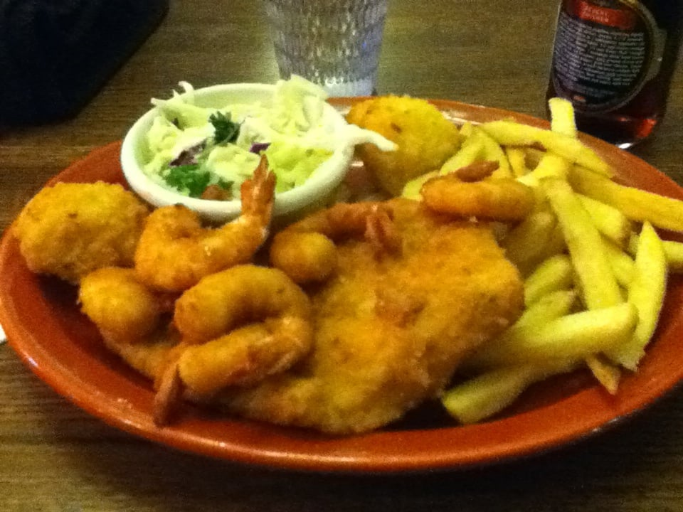 Shrimp fish filet with fries and hushpuppies yelp for Fish and shrimp near me