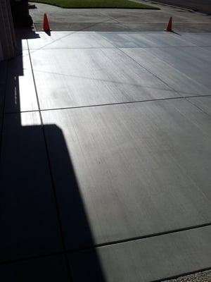 Concrete Driveway With Two Coats Wet Look Ii Sealer Nov