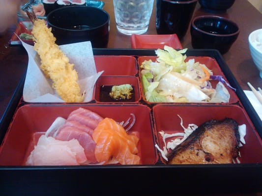 sept 2010 pic of the bento box same price smaller portions yelp. Black Bedroom Furniture Sets. Home Design Ideas