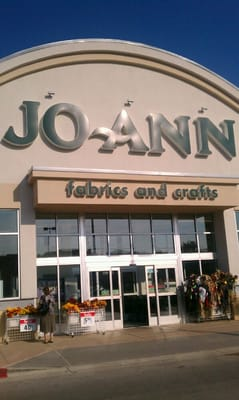 Jo ann fabric stores austin tx yelp for Joann fabric craft stores