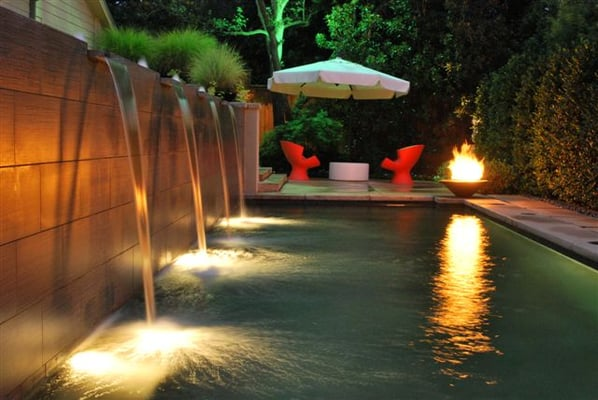 Jms led landscape lighting job to spotlight swimming pool for Outdoor lighting concepts