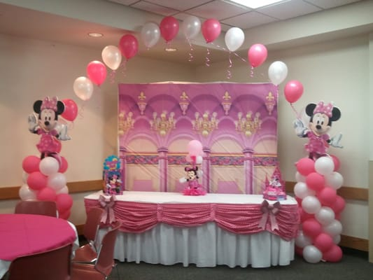 Minnie Mouse Cake table decoration | Yelp