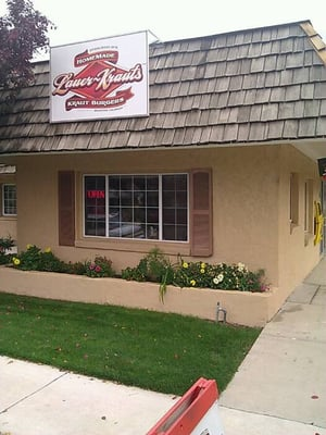 Lauer krauts 26 south 6th street brighton co location hours and website for Colocation brighton