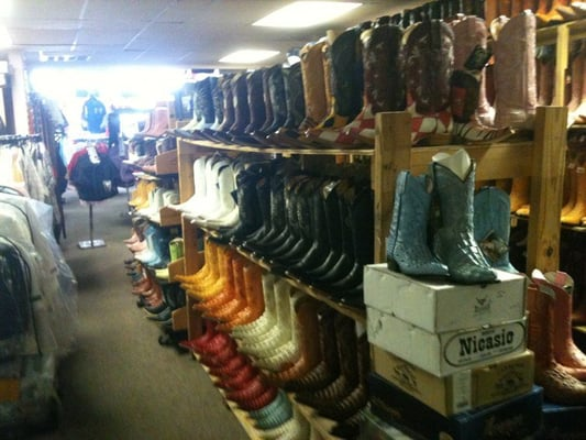 Clothing stores :: Western clothing stores near me