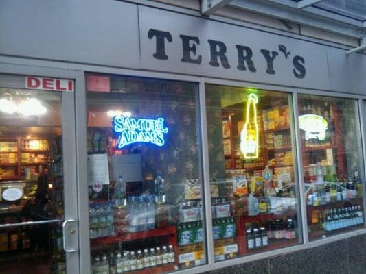 Terry s delicatessen new york ny verenigde staten yelp for 41 river terrace new york