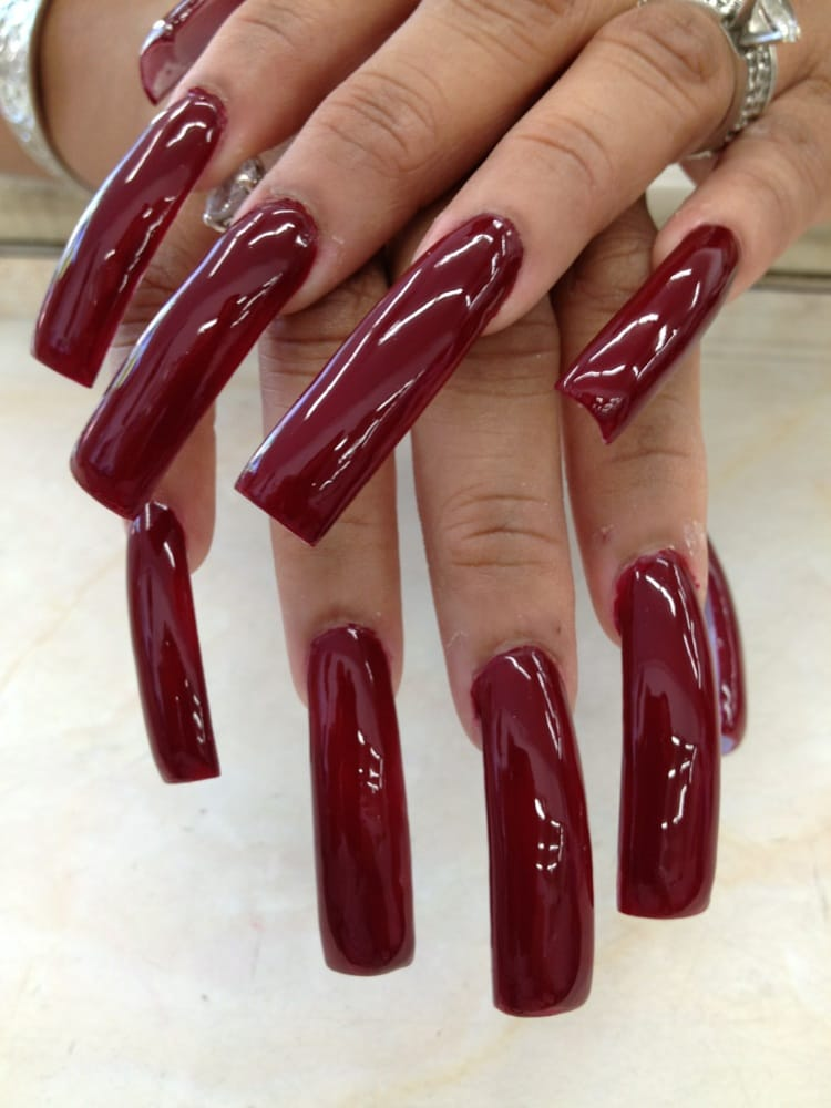 beautiful mature women long fingernails