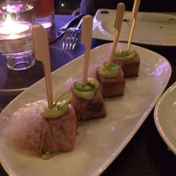 Seared tuna cube