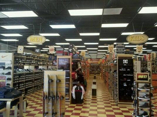 Warehouse Shoe Sale Lynwood