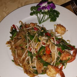 Pad Thai with shrimps - spicy :)
