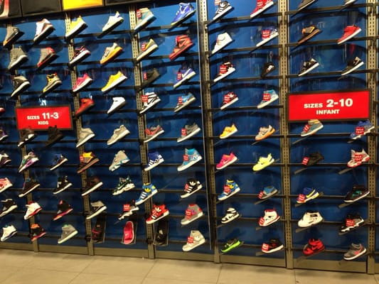 Yelp foot locker stores shoe stores 1300 w sunset road