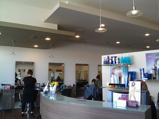 Rt7 total beauty salon hair salons garden grove ca for 18 8 salon irvine