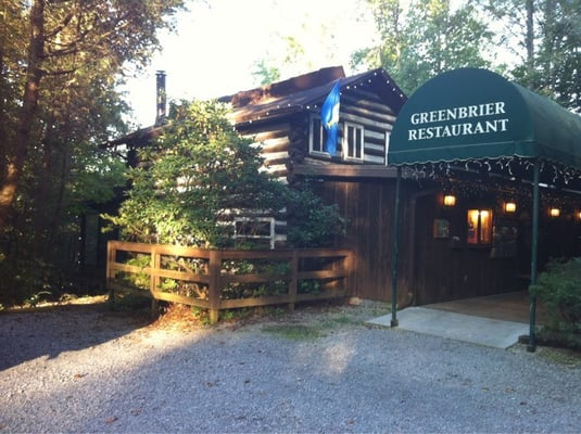 a real log cabin dinner in the smokies