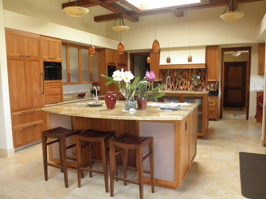 Natural Cherry Shaker Kitchen Cabinets