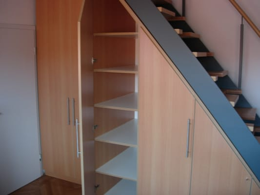 einbauschrank unter eine treppe eingepasst yelp. Black Bedroom Furniture Sets. Home Design Ideas