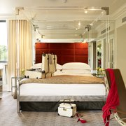 Four Poster Bed in suite