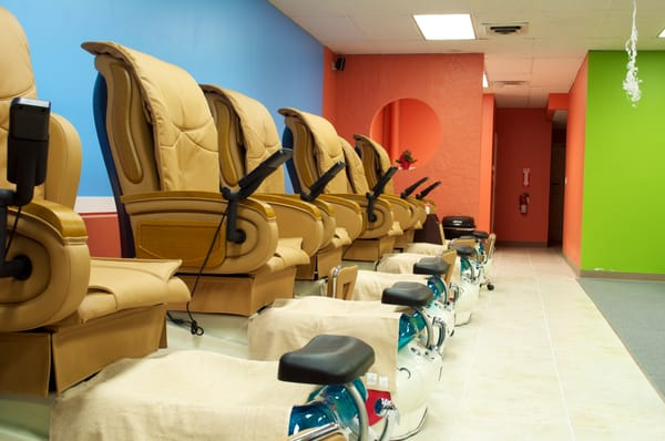 Paradise Nails & Spa in Fort Collins uses La Fleur II spa chairs
